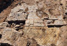 El magnífico edificio con la inscripción incorporada en uso secundario (Fotografía: Tzachi Lang, Autoridad de Antigüedades de Israel)