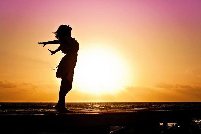 Todos buscamos ser felices, pero nuestro estilo de vida fomenta la competición y persecución constante de objetivos, incluso en el tiempo libre. ¿Hemos perdido la capacidad de disfrutar de los placeres sin otro fin que el de pasárnoslo bien?